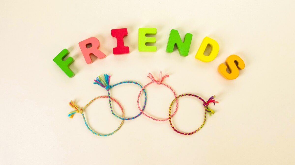 Let's Make Friendship Bracelets