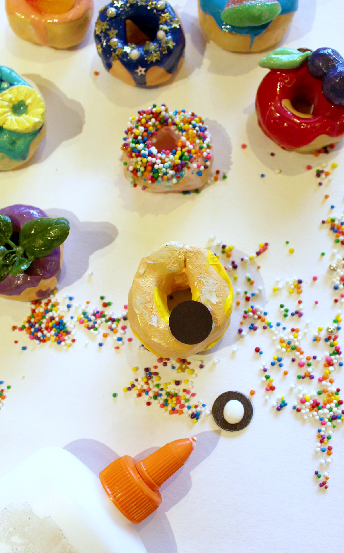 Add magnets to Donut Magnets
