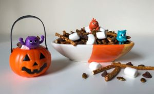 Bumble Nums Halloween Snack Mix