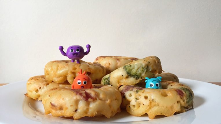 Bumble Nums Mac and Cheese Wheels