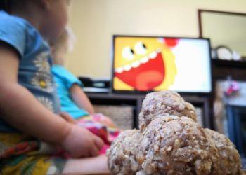 Children watching Super Simple