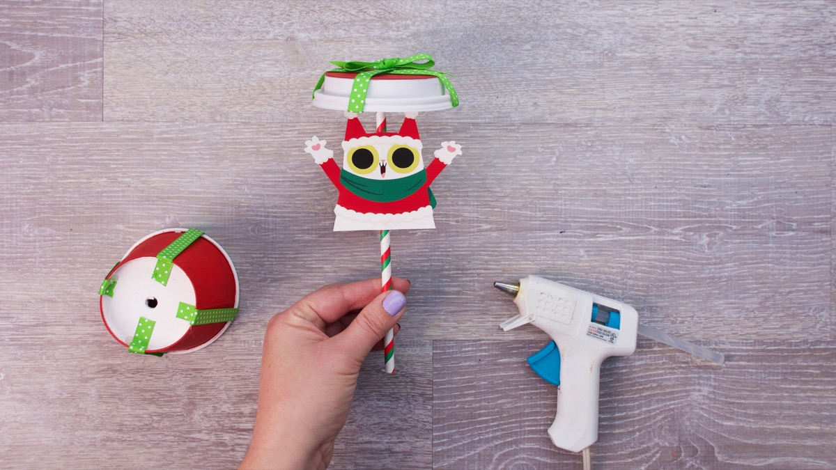 Peekaboo Cat Christmas Surprise Craft