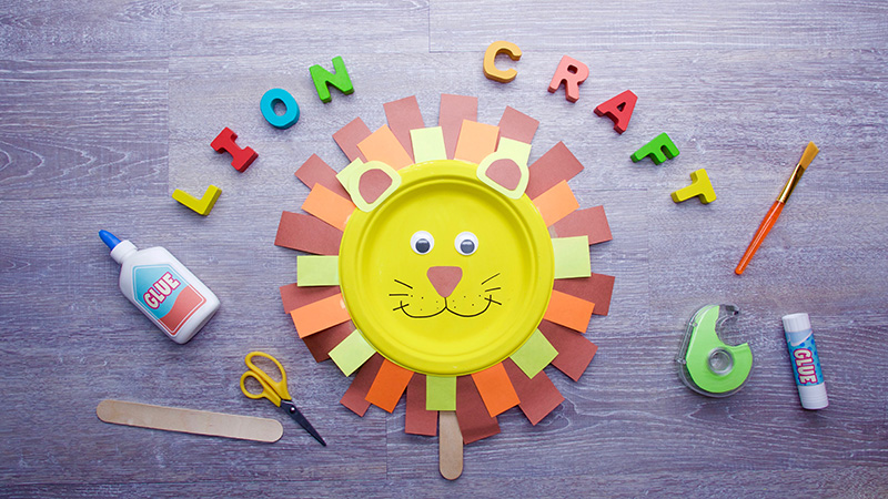 RAAAWR! Next week on Caitie\u0027s Classroom we\u0027re going to learn all about SOUNDS. Here are the instructions to make your very own lion. & Paper Plate Lion | Super Simple